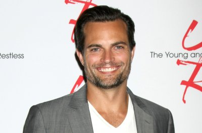 'Chicago Fire' adds 'Grey's Anatomy' alum Scott Elrod