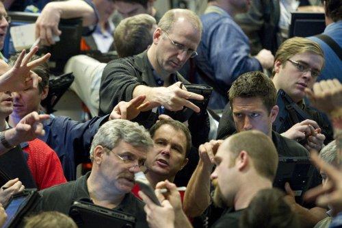 Economic, trade concerns drag oil prices lower