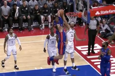 Jarrett Allen blocks Blake Griffin's poster dunk attempt