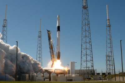 After delay, SpaceX launches space station resupply mission