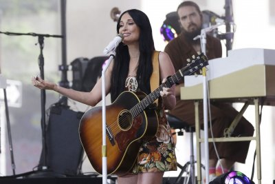 Kacey Musgraves performs, adds new tour dates on 'Today'