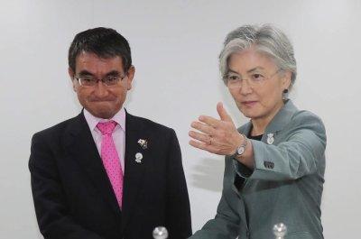 Top diplomats of South Korea, Japan to meet amid easing tensions
