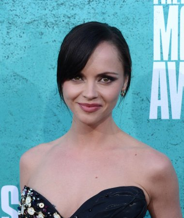 Actress Christina Ricci engaged