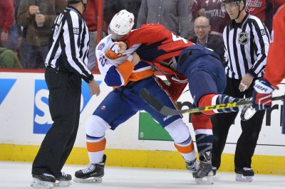 Washington Capitals crush New York Islanders