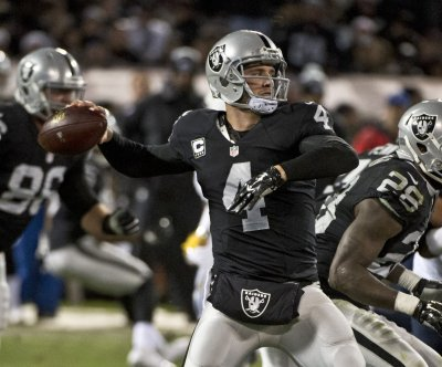 Derek Carr firmly in charge of Oakland Raiders' offense
