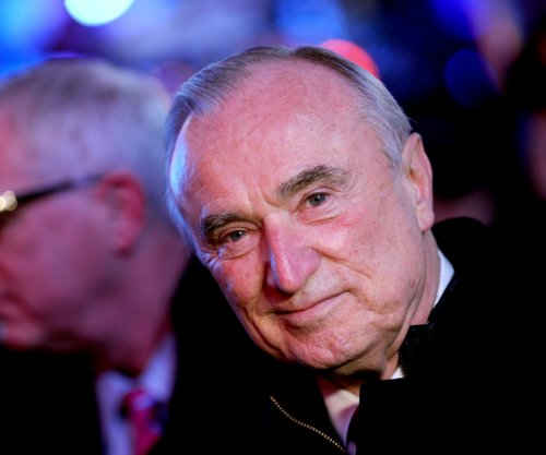 Bill Bratton resigns as NYPD commissioner