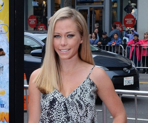 Kendra Wilkinson, Jai Rodriguez to star in 'Sex Tips for Straight Women from a Gay Man' in Vegas