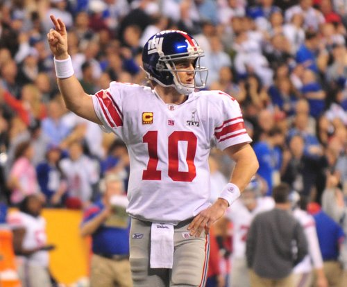 Giants QB Eli Manning's Super Bowl helmet being auctioned