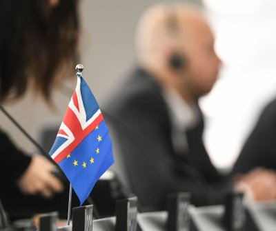 2 key votes to determine whether Britain can make EU exit deadline