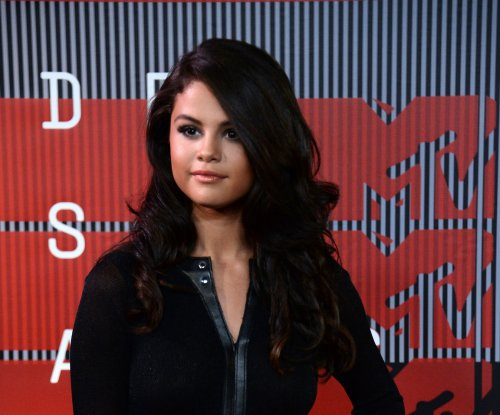 Selena Gomez happy being single, reveals new album details