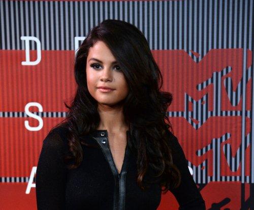 Selena Gomez happy being single, reveals new album details