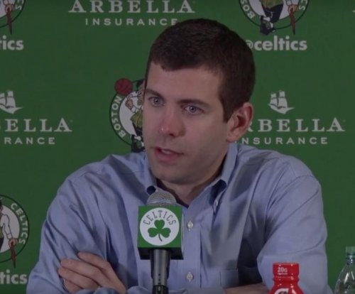 Late rally lifts Boston Celtics past New York Knicks