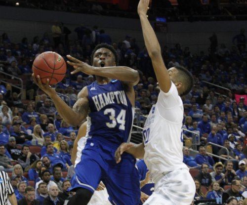 Kentucky Wildcats pair withdraws from NBA Draft; Marcus Lee to transfer