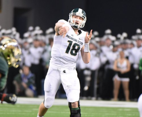 Oakland Raiders QB Connor Cook to start wild-card game vs. Houston Texans