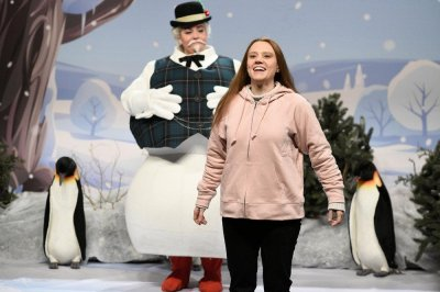 Kate McKinnon plays Greta Thunberg, Kellyanne Conway on 'SNL'