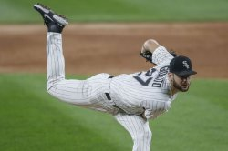 White Sox's Lucas Giolito near perfect in Game 1 win over Athletics
