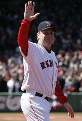 Curt Schilling officially retires