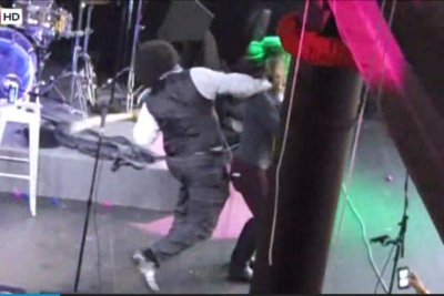 Afroman filmed punching female fan on Mississippi stage