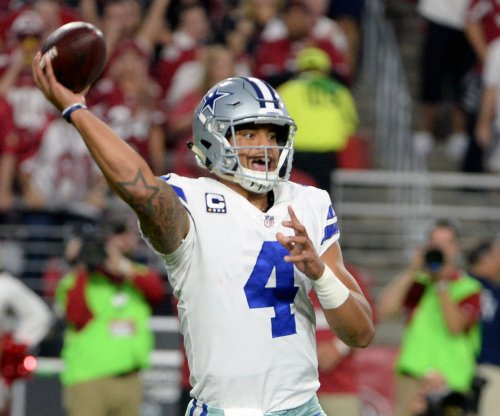Dallas Cowboys: Teammates send accolades QB Dak Prescott's way