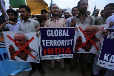 'Kashmir Hour' across Pakistan offers support for embattled India regions
