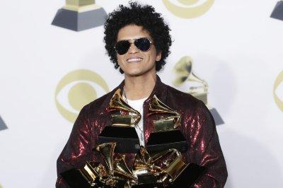 Bruno Mars, Anderson .Paak return as Silk Sonic in new 'Skate' video