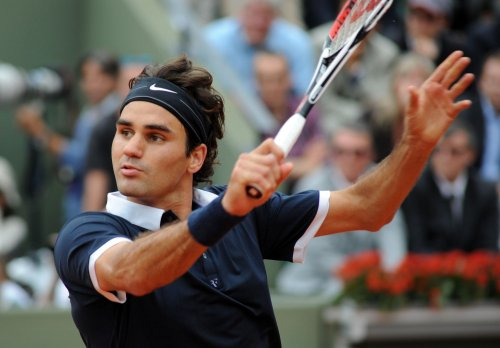 Federer makes French Open semifinals