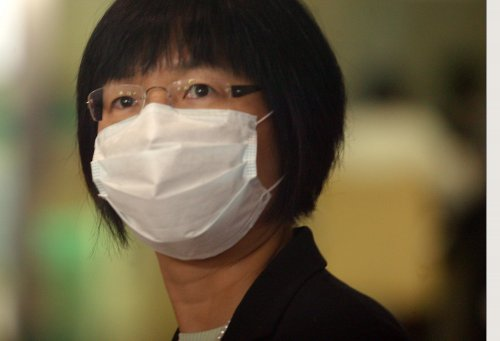 N.Y. requires health workers unvaccinated for flu to wear masks