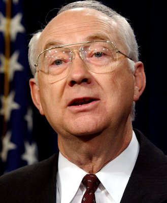 Gramm credits McCain with winning in Iraq