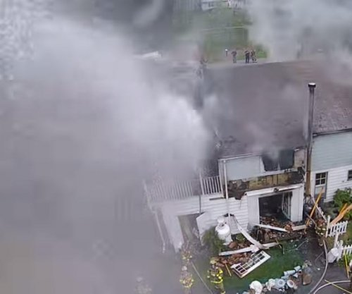 N.Y. firefighters turn hoses on rubbernecking drone