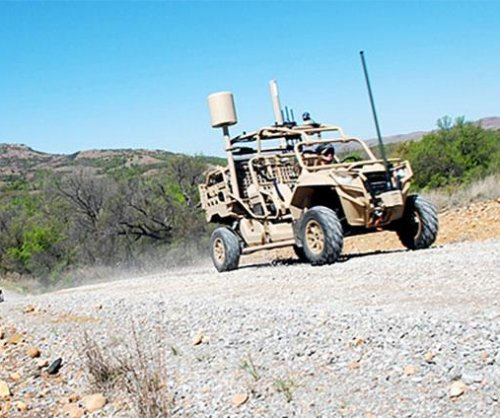 U.S. Army tests dune buggy-like Hunter, Killer vehicles