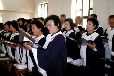 Christians in North Korea hold worship service with Japanese visitors