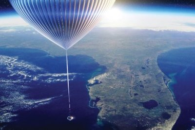 Space tourists might rise above Earth with hydrogen balloons