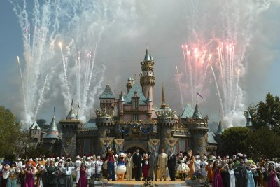 Disneyland, Dodger Stadium to be vaccination sites