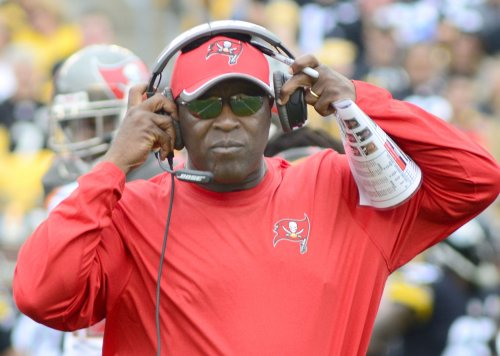 Lovie brings Bucs to Chicago