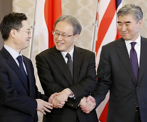 Envoys discuss ways to return North Korea to six-party talks
