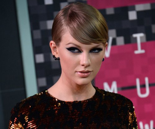 American Music Awards: Taylor Swift, The Weeknd, Nicki Minaj up for Artist of the Year