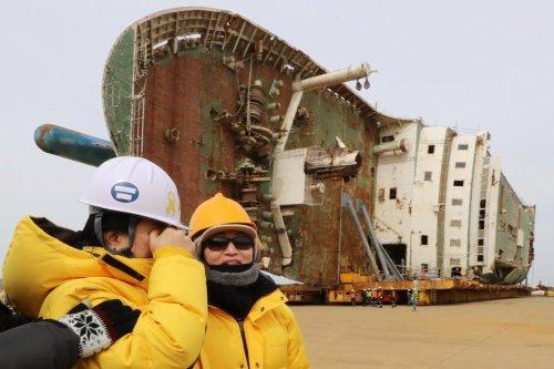 South Korea to preserve sunken ferry ship Sewol
