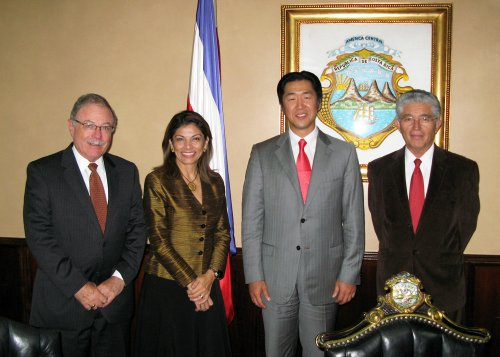 Chinchilla meets peace festival leaders