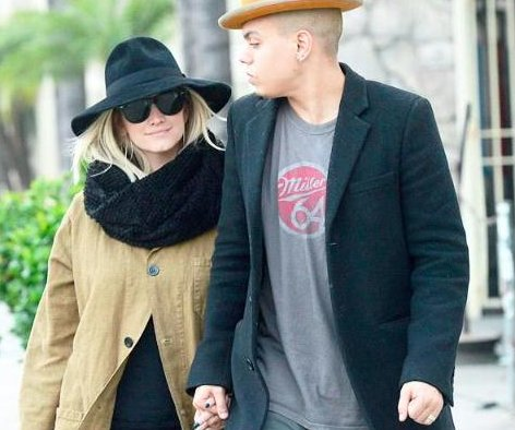 Ashlee Simpson debuts growing baby bump during LA outing