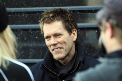 Kevin Bacon selfie sends fans on a whirlwind of speculation