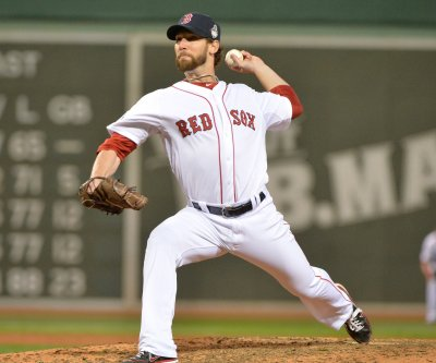 Miami Marlins reach deal with LHP Craig Breslow