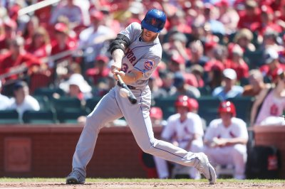 Mets' Noah Syndergaard makes history with homer, 1-0 shutout of Reds
