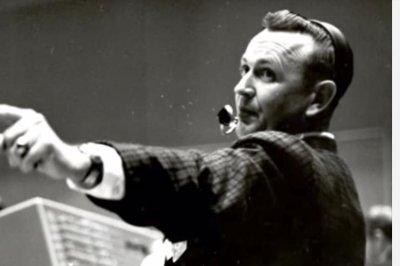 NASA pioneer, mission control architect Chris Kraft dies at 95