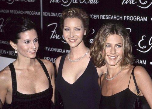 Courteney Cox, Jennifer Aniston and Lisa Kudrow spotted dining in West Hollywood