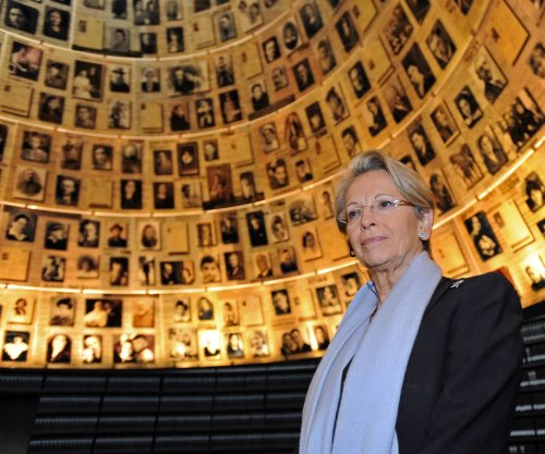 France, U.S. agree on Holocaust reparations