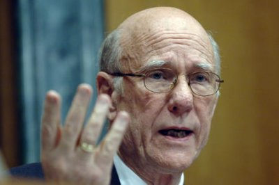 Sen. Pat Roberts' 'Let it Go' ringtone goes off mid-hearing