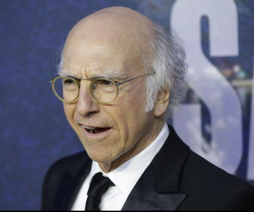 Larry David plays Bernie Sanders in 'Saturday Night Live' sketch