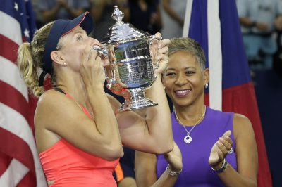 New No. 1 Angelique Kerber reigns at U.S. Open