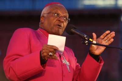 Desmond Tutu: When my time comes, I want option of physician-assisted suicide