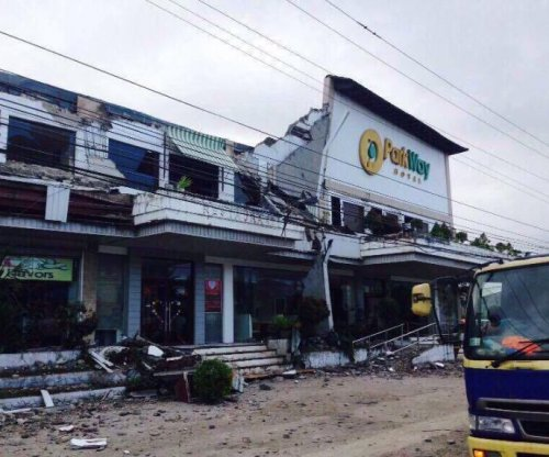 At least six dead, more than 100 injured in Philippines earthquake